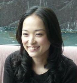 高野志穂さんの綺麗で若い画像